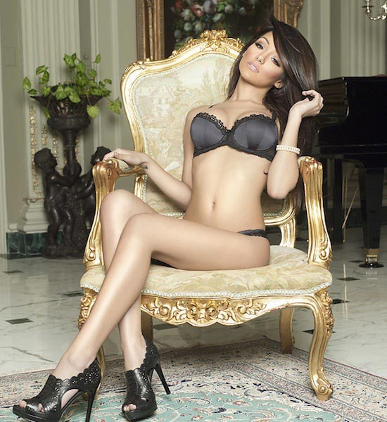 Melanie Iglesias: New Photoshoot for WMB